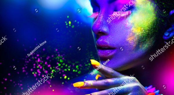 цветная девушка